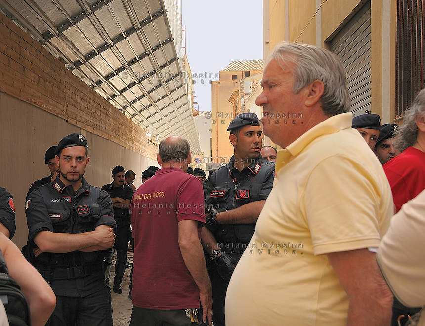 Palermo, sgomberi delle famiglie senza tetto, mimma argues.<br /> Palermo, eviction of homeless families