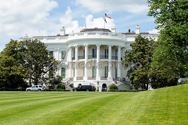 The White House is seen from the Presidential motorcade in Washington D.C., U.S., as United States President Donald J. Trump returns from the Trump National Golf Club in Sterling, Virginia on Saturday, May 23, 2020.  Credit: Stefani Reynolds / CNP/AdMedia