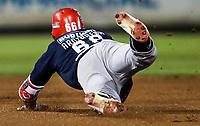 Randy Arozarena de los mayos se barre safe en una jugada con el segunda base Fernando Perez de los naranjeros , durante juego de beisbol de la Liga Mexicana del Pacifico temporada 2017 2018. Quinto juego de la serie de playoffs entre Mayos de Navojoa vs Naranjeros. 6Enero2018. (Foto: Luis Gutierrez /NortePhoto.com)