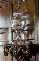 Europe/France/Provence-Alpes-Côte d'Azur/06/Alpes-Maritimes/Nice:  Hôtel: Le Négresco- Le Bar détail d'une fontaine à Whisky