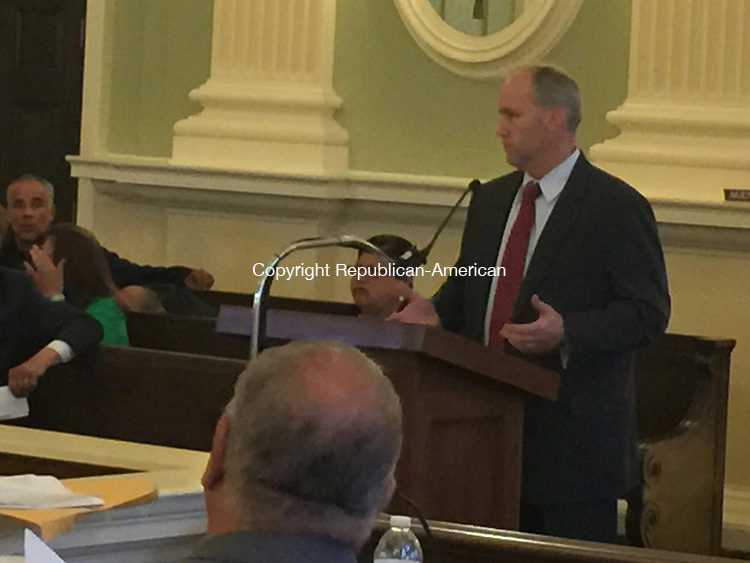 WATERBURY, CT - 08 June 2015 - 060815PO01 - Waterbury Finance Director Michael LeBlanc talks about the fiscal benefit of a proposed union deal before the Board of Aldermen Monday. Penelope Overton Republican-American