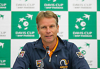 Swiss, Genève, September 14, 2015, Tennis,   Davis Cup, Swiss-Netherlands, Press Conference Dutch team, captain Jan Siemerink,<br /> Photo: Tennisimages/Henk Koster