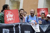 Roma, 17 Settembre 2013<br /> Via dei Prefetti<br /> I movimenti per il diritto all'abitare occupano la sede dell'ANCI, l'associazione nazionale dei comuni italiani,contro gli sfratti la tax service e le politiche del Governo sull'emergenza abitativa