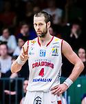 S&ouml;dert&auml;lje 2015-04-10 Basket SM-Semifinal 5 S&ouml;dert&auml;lje Kings - Sundsvall Dragons :  <br /> Sundsvall Dragons Hlynur Baeringsson gestikulerar under matchen mellan S&ouml;dert&auml;lje Kings och Sundsvall Dragons <br /> (Foto: Kenta J&ouml;nsson) Nyckelord:  S&ouml;dert&auml;lje Kings SBBK T&auml;ljehallen Sundsvall Dragons portr&auml;tt portrait