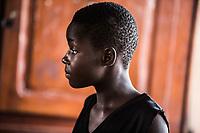 Benin. Cotonou . foyer salesiano Don Bosco Ritratto di profilo di bambina di colore
