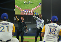BARRANQUILLA-COLOMBIA- 31-05-2018: Edgar Renteria y el alcalde de Barranquilla Alejandro Char durante la velada de apertura del estadio Edgar Renteria en la ciudad de Barranquilla, Colombia. / Edgar Renteria and Baranquilla majr Alejandro Char during the opening night of the Edgar Renteria stadium in Barranquilla city. Photo: VizzorImage / Alfonso Cervantes / Cont