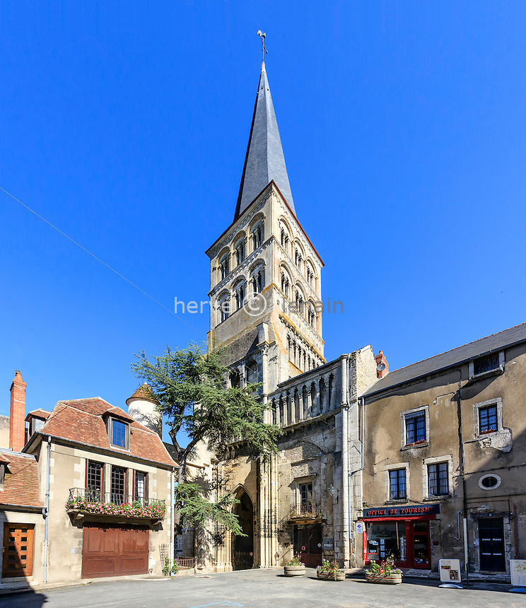 France, Nièvre (58), La Charité-sur-Loire, église Notre-Dame de La Charité-sur-Loire // France, Nievre, La Charite sur Loire, Notre Dame de La Charite sur Loire church