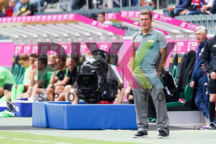 Gladbachs Trainer Dieter Hecking beim Telecom Cup 2017 Borussia Moenchengladbach - SV Werder Bremen.<br /> <br /> Foto &copy; PIX-Sportfotos *** Foto ist honorarpflichtig! *** Auf Anfrage in hoeherer Qualitaet/Aufloesung. Belegexemplar erbeten. Veroeffentlichung ausschliesslich fuer journalistisch-publizistische Zwecke. For editorial use only.