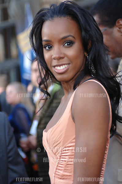 KELLY ROWLAND of Destiny's Child at the 2005 American Music Awards in Los Angeles..November 22, 2005; Los Angeles, CA:  .© Paul Smith / Featureflash