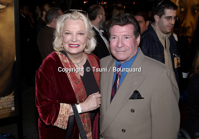 Gena Rowlands arriving at the premiere of John Q at the director Guild of America in Los Angeles. February 7, 2002.           -            RowlandsGena01.jpg