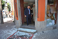 RIO DE JANEIRO, RJ, 13 AGOSTO 2012 - ASSALTO EM RESTAURANTE NA TIJUCA -Um assalto terminou em tres mortes no restaurante Brasa na esquina das ruas mariz e barroz e professor gabizo na Tijuca, nesta segunda dia 13,zona norte do rio(FOTO:MARCELO FONSECA / BRAZIL PHOTO PRESS).