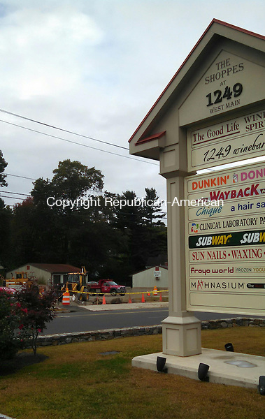 WATERBURY, CT - 25 Sept. 2014 - 092514AL02 - The site of a proposed Starbucks with a drive-through at 1250 West Main St. is seen from a shopping plaza across the street, the Shoppes at 1249 West Main. Developer Vincent LoRusso Sr. recently built the plaza at 1249 West Main St. and is currently developing the Starbucks property. Andrew Larson / Republican-American