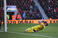 29th February 2020; Vitality Stadium, Bournemouth, Dorset, England; English Premier League Football, Bournemouth Athletic versus Chelsea; Aaron Ramsdale of Bournemouth after conceding a late equalising goal for Alonson for 2-2