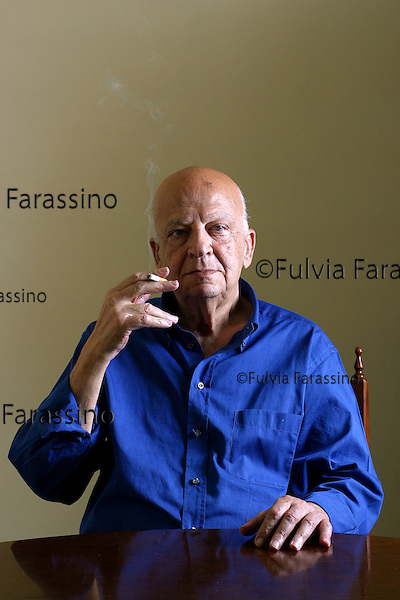 Victor Dimitri, chirologo, palmistry.Milano, 6 giuno 2002.