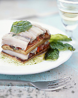 """Europe/France/Languedoc-Roussillon/66/Pyrénées-Orientales/Banyuls-sur-Mer: Millefeuille d'anchois - Recette de Jean-Marie Patrouix chef du restaurant """"La Littorine"""""""