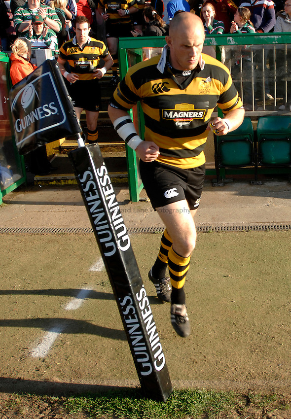 Photo: Richard Lane..Leicester Tigers A v London Wasps A. Guinness A League Final. 07/05/2007. .Wasps' Jonny O'Connor runs out.