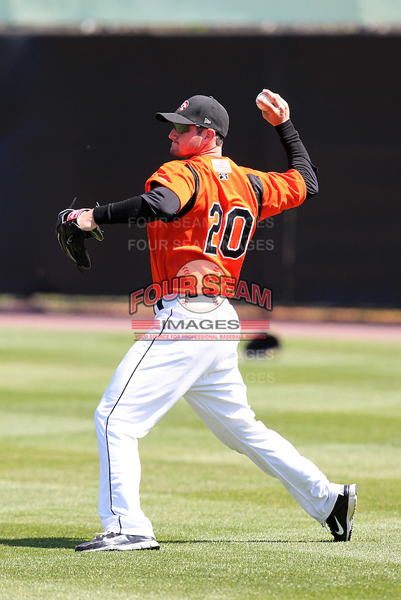 Bowie BaySox outfielder Robbie Widlansky #20 during practice before a game against the Harrisburg Senators at Prince George's Stadium on April 8, 2012 in Bowie, Maryland.  Harrisburg defeated Bowie 5-2.  (Mike Janes/Four Seam Images)