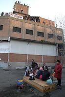Roma 6 Aprile 2009.<br /> Metropoliz.<br /> Occupazione ex fabbrica Fiorucci.Gli occupanti in attesa dello sgombero annunciato e poi ritirato..The occupants  pending eviction announced and then withdrawn