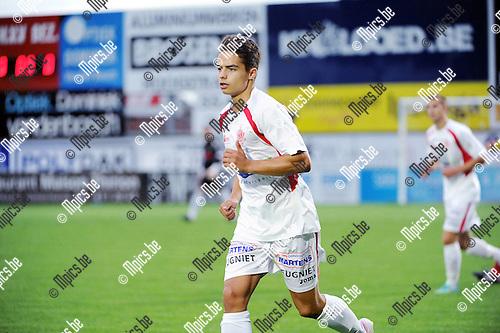 2015-08-26 / Voetbal / Seizoen 2015-2016 / Hoogstraten VV / Yoshi Marien<br /><br />Foto: Mpics.be