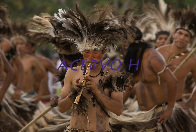 X JOGOS DOS POVOS IND&Iacute;GENAS<br /> Terena de Mato Grosso do Sul. <br /> Os Jogos dos Povos Ind&iacute;genas (JPI) chegam a sua d&eacute;cima edi&ccedil;&atilde;o. Neste ano 2009, que acontecem entre os dias 31 de outubro e 07 de novembro. A data escolhida obedece ao calend&aacute;rio lunar ind&iacute;gena. com participa&ccedil;&atilde;o  cerca de 1300 ind&iacute;genas, de aproximadamente 35 etnias, vindas de todas as regi&otilde;es brasileiras. <br /> Paragominas , Par&aacute;, Brasil.<br /> Foto Paulo Santos<br /> 03/11/2009