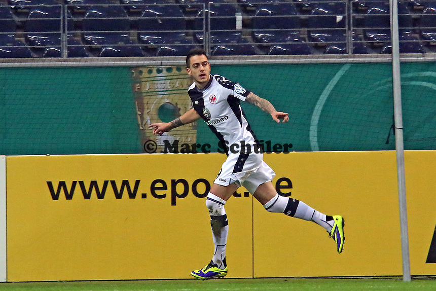 Joselu (Eintracht) hat das 1:0 erzielt und jubelt - Eintracht Frankfurt vs. SV Sandhausen, DFB-Pokal, Commerzbank Arena