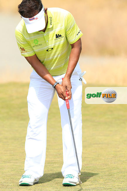 Thongchai JAIDEE (THA) putts on the 15th green during Thursday's Round 1 of the 2015 U.S. Open 115th National Championship held at Chambers Bay, Seattle, Washington, USA. 6/18/2015.<br /> Picture: Golffile | Eoin Clarke<br /> <br /> <br /> <br /> <br /> All photo usage must carry mandatory copyright credit (&copy; Golffile | Eoin Clarke)