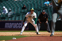Ryan Bertelsman (3) of the Baylor Bears takes his lead off of first base against the Missouri Tigers in game one of the 2020 Shriners Hospitals for Children College Classic at Minute Maid Park on February 28, 2020 in Houston, Texas. The Bears defeated the Tigers 4-2. (Brian Westerholt/Four Seam Images)