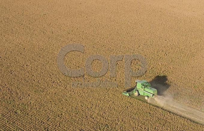 Cosecha de soja en Rojas, Buenos Aires, Argentina
