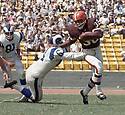 Cleveland Browns Jim Brown (32) during a game from his career with the Cleveland Browns. Jim Brown played for 9 years, all with the Browns, was a 9-time Pro Bowler and was inducted to the Pro Football Hall of Fame in 1971.<br /> (SportPics)