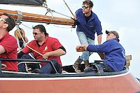 SKUTSJESILEN: Opening seizoen Earnewâld, Princenhoftocht voor Skûtsjes, schipper Jeroen Pietersma, ©foto Martin de Jong
