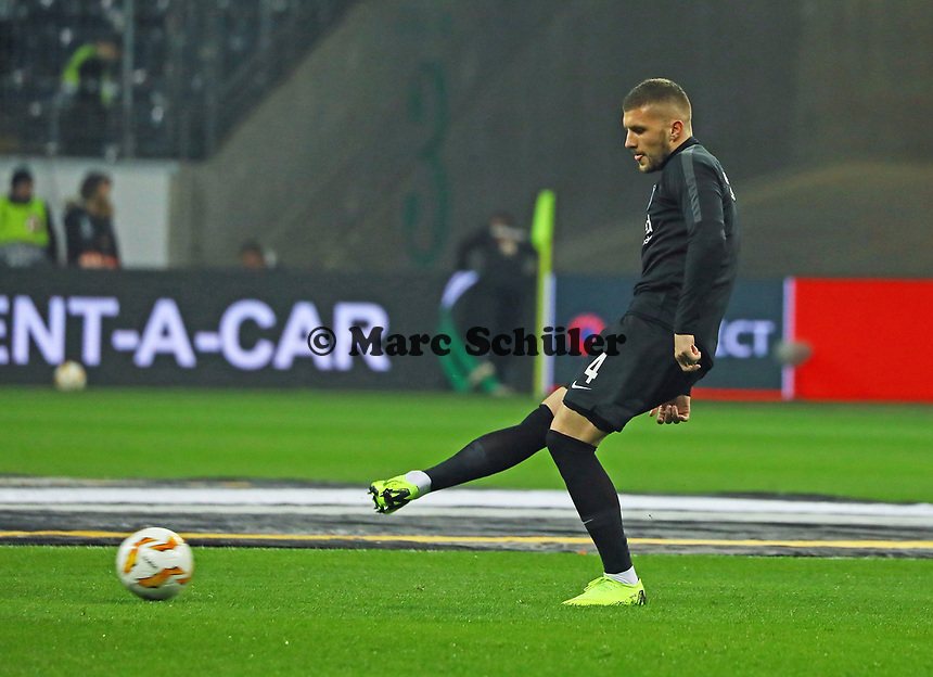 Ante Rebic (Eintracht Frankfurt) - 25.10.2018: Eintracht Frankfurt vs. Apollon Limassol FC, Commerzbank Arena, Europa League 3. Spieltag, DISCLAIMER: DFL regulations prohibit any use of photographs as image sequences and/or quasi-video.
