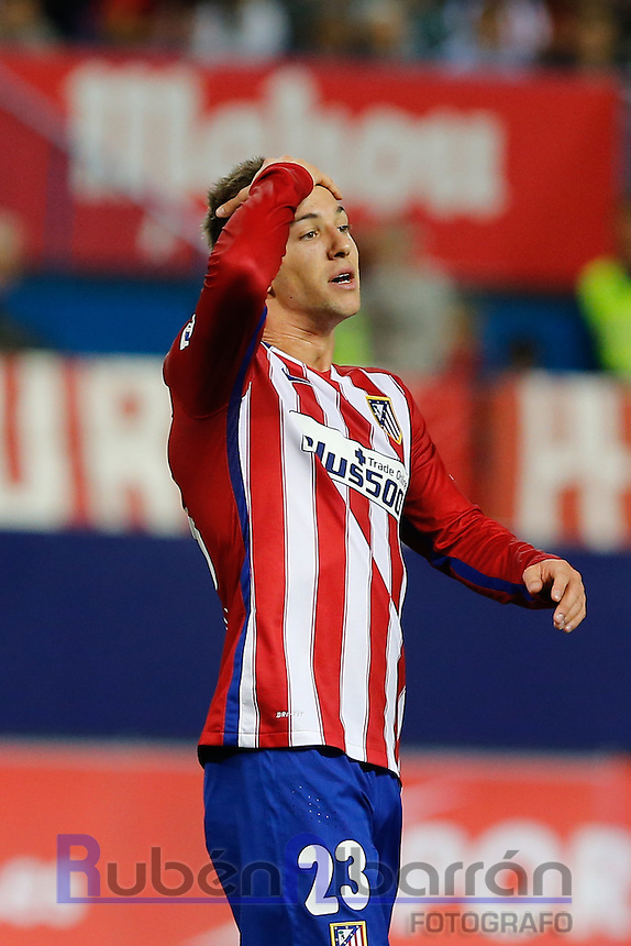 Atletico Madrid´s Argentinean forward Vietto lamenting