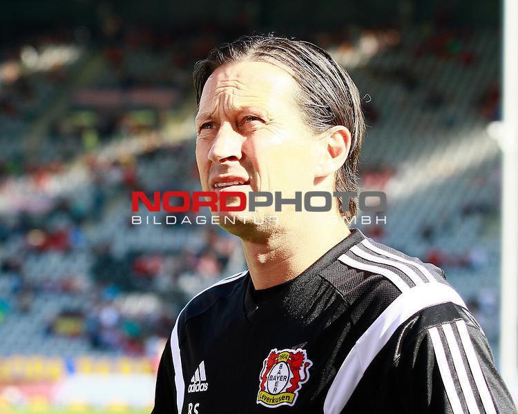 27.09.2014, Schwarzwald Stadion, Freiburg, GER, 1.FBL, SC Freiburg vs. Bayer 04 Leverkusen, Roger SCHMIDT, Trainer Bayer Leverkusen<br /> <br /> Foto &copy; nph / H.Koerkel *** Local Caption ***