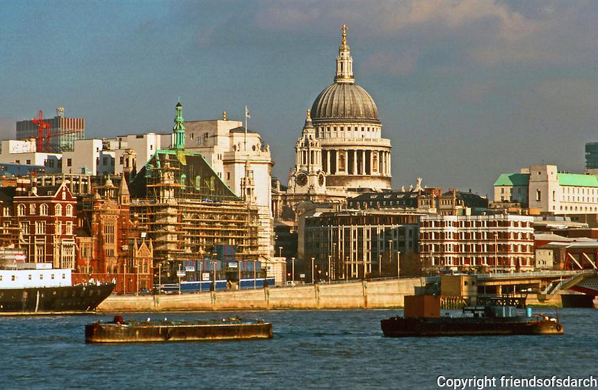London:  Thameside Walk #10.  St. Paul's--zoom.  Photo '90.
