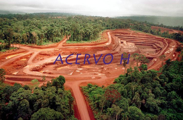 Mina de Ouro do Igarapé Bahia explorada pela CVRD-Companhia Vale do Rio Doce no sul do Pará Brasil.<br />Foto Paulo Santos/Interfoto.<br />1998 Mina de ouro do igarapé Bahia