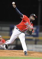 11 April 2008: RHP Luis Valdez (45) of the Mississippi Braves, Class AA affiliate of the Atlanta Braves, in a game against the Mobile BayBears at Trustmark Park in Pearl, Miss. Photo by:  Tom Priddy/Four Seam Images