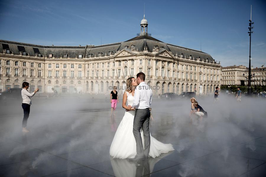 """The """" Miroir d'eau """" on the Place de la Bourse , the new riverside of Bordeaux"""