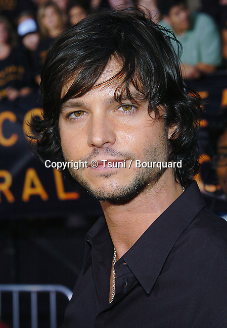 Jason Behr  arriving at the Collateral Premiere at the Orpheum Theatre in Los Angeles. August 2, 2004