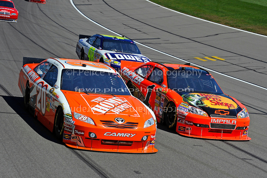 Joey Logano (#20), Jamie McMurray (#1) and Jimmie Johnson (#48)