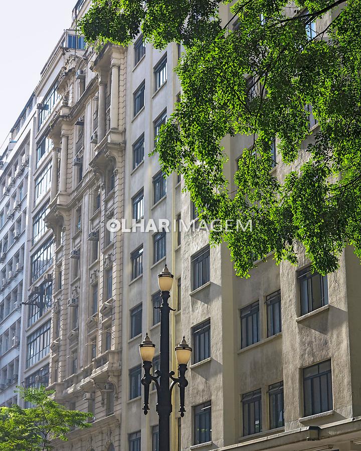 Predios da rua Barao de Itapeteninga no centro de Sao Paulo. 2017. Foto de Juca Martins.