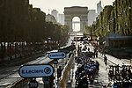 The peloton head up the Champs-Elysees toward the Arc de Triomphe during Stage 21 of the 2019 Tour de France running 128km from Rambouillet to Paris Champs-Elysees, France. 28th July 2019.<br /> Picture: ASO/Pauline Ballet | Cyclefile<br /> All photos usage must carry mandatory copyright credit (© Cyclefile | ASO/Pauline Ballet)