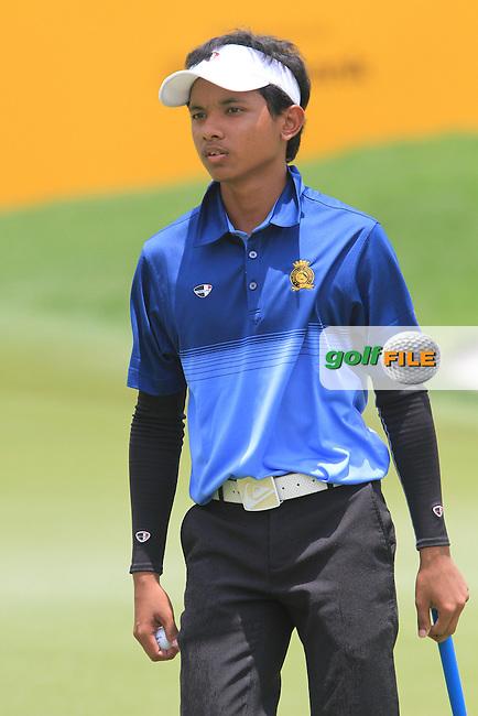 Muhammad Afif Razie (AM) on the 18th on Day 1 of the Maybank Malaysian Open 2012 at Kuala Lumpur Golf and Country Club, Kuala Lumpur, Malaysia...(Photo Jenny Matthews/www.golffile.ie)