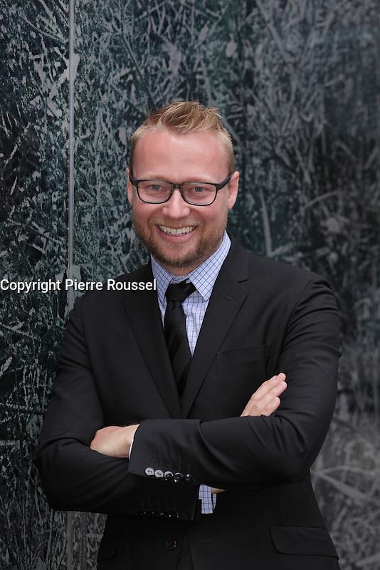 Bastien Poulain<br /> , Cola 1642  au Gala Phenicia de la Chambre de Commerce LGBT du Qu&eacute;bec, tenu au Parquet de la Caisse de Depots et Placements du Quebec, jeudi, 26 mai 2016.<br /> <br /> <br /> PHOTO : Pierre Roussel -  Agence Quebec Presse
