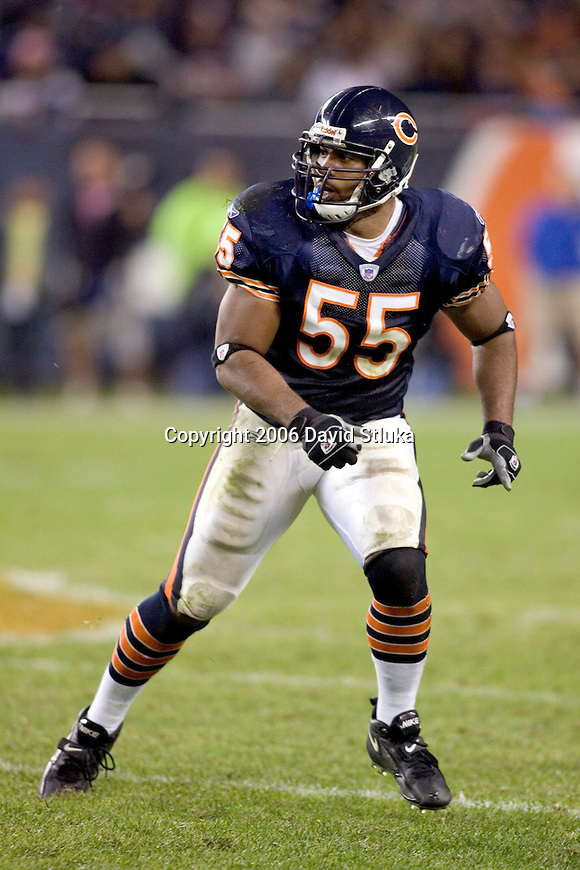 Linebacker Lance Briggs #55 of the Chicago Bears plays defense during an NFL football game against the Seattle Seahawks at Soldier Field on October 1, 2006 in Chicago, Illinois. The Bears defeated Seahawks 37-6. (Photo by David Stluka)