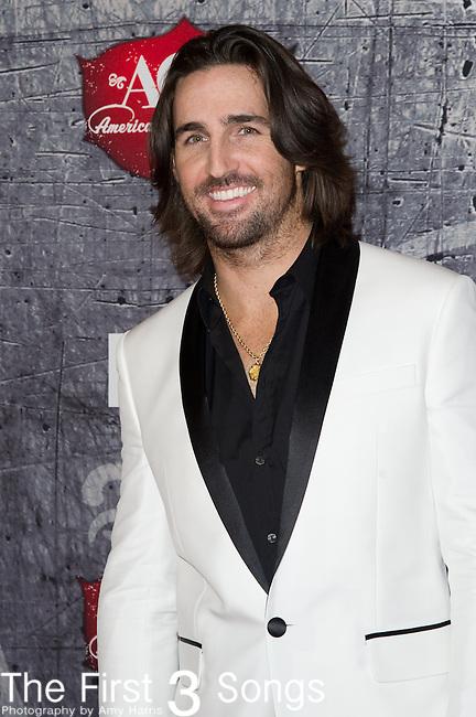 Jake Owen arrives at the American Country Awards 2012 at the Mandalay Bay Resort & Casion in Las Vegas, Nevada