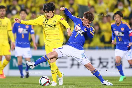 (L-R)<br />  Kim Chang Soo (Reysol),<br /> Hiroaki Okuno (Vegalta),<br /> MARCH 13, 2015 - Football / Soccer : <br /> 2015 J1 League 1st stage match between<br /> Kashiwa Reysol 1-1 Vegalta Sendai<br /> at Hitachi Kashiwa Stadium in Chiba, Japan.<br /> (Photo by Shingo Ito/AFLO SPORT)