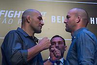 SÃO PAULO, SP, 05.11.2015 - UFC-SP -  Glover Teixeira e Patrick Cummins durante encarada no UFC Media Day, no hotel Hilton, na zona sul de São Paulo, na manhã desta quinta-feira, 05. (Foto: Adriana Spaca/Brazil Photo Press)