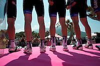 2011 Giro d' Italia Stage 8 Garmin check-in.