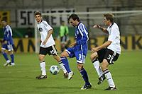 Bebras Natcho (ISR) gegen Stefan Reinartz (D)<br /> U21 Deutschland vs. Israel *** Local Caption *** Foto ist honorarpflichtig! zzgl. gesetzl. MwSt. Auf Anfrage in hoeherer Qualitaet/Aufloesung. Belegexemplar an: Marc Schueler, Alte Weinstrasse 1, 61352 Bad Homburg, Tel. +49 (0) 151 11 65 49 88, www.gameday-mediaservices.de. Email: marc.schueler@gameday-mediaservices.de, Bankverbindung: Volksbank Bergstrasse, Kto.: 151297, BLZ: 50960101