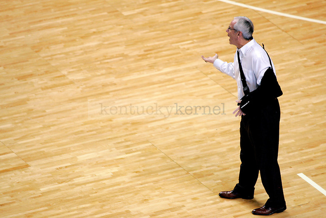 UNC head coach Roy Williams yells from the sidelines after a play near the end of the second half of the game against UK on Saturday, Dec. 05, 2009 at Rupp Arena. UK defeated UNC 68-66.